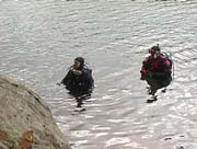 2 divers in the lake